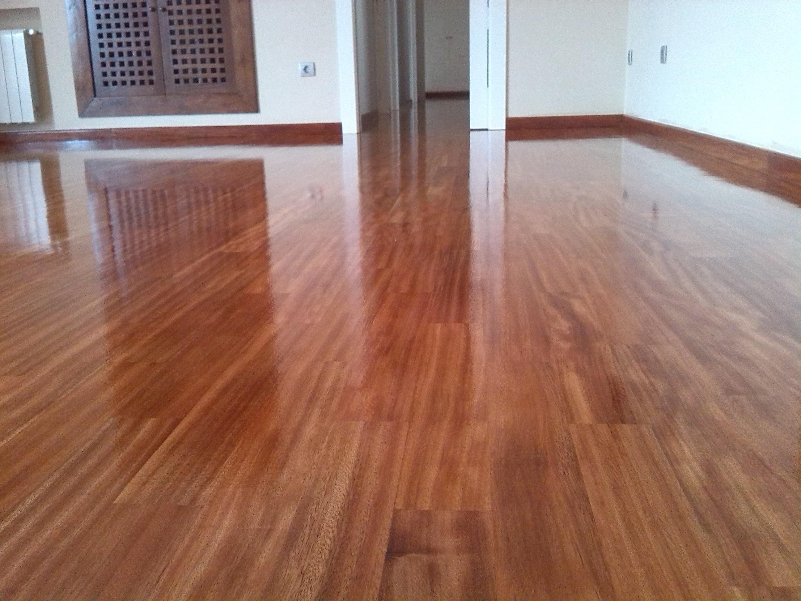Qu ventajas aporta el parquet de madera natural for Parquet madera natural